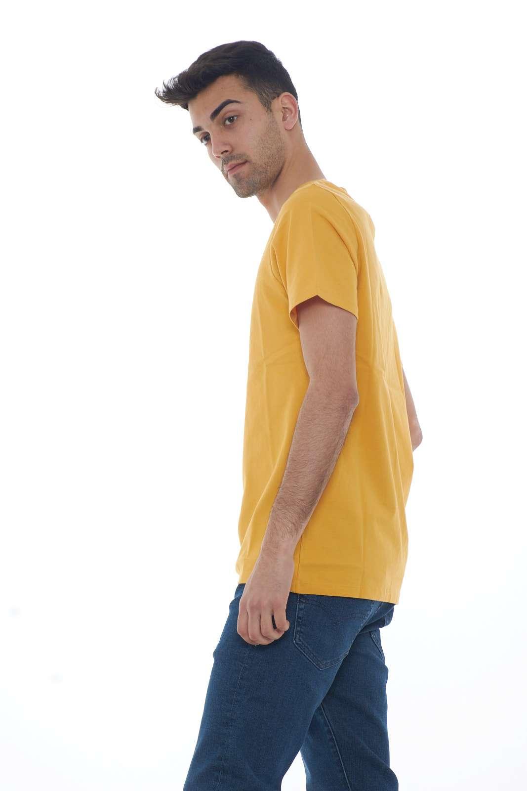 https://www.parmax.com/media/catalog/product/a/i/PE-outlet_parmax-t-shirt-uomo-Levis-171640003-B.jpg