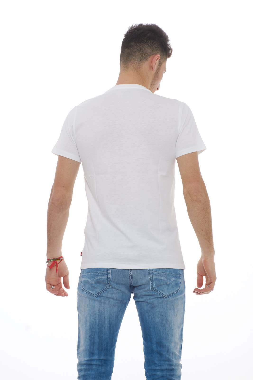 https://www.parmax.com/media/catalog/product/a/i/PE-outlet_parmax-t-shirt-uomo-Levis-17783-C_1.jpg