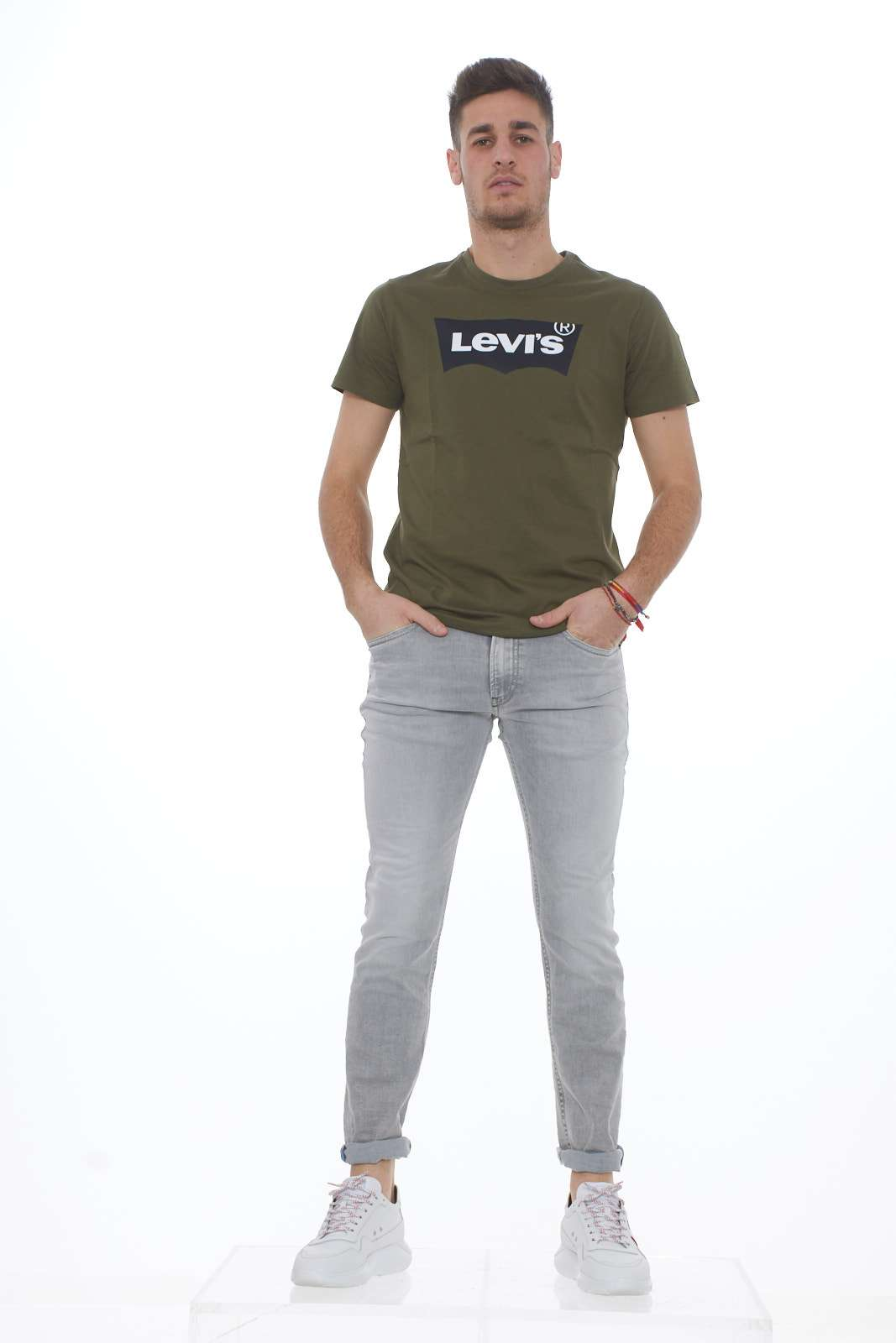 https://www.parmax.com/media/catalog/product/a/i/PE-outlet_parmax-t-shirt-uomo-Levis-22489-D.jpg