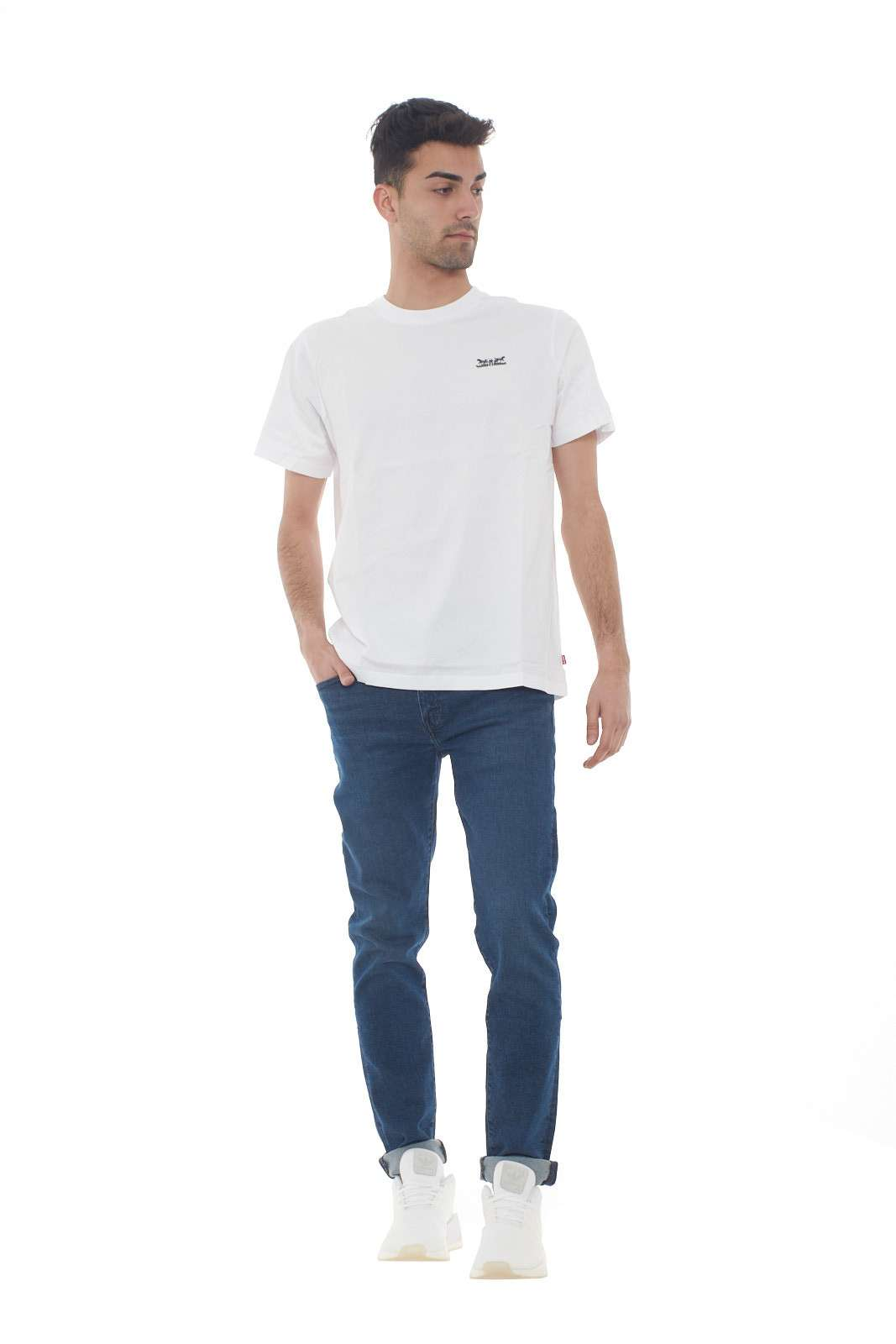 https://www.parmax.com/media/catalog/product/a/i/PE-outlet_parmax-t-shirt-uomo-Levis-699780032-D_1.jpg