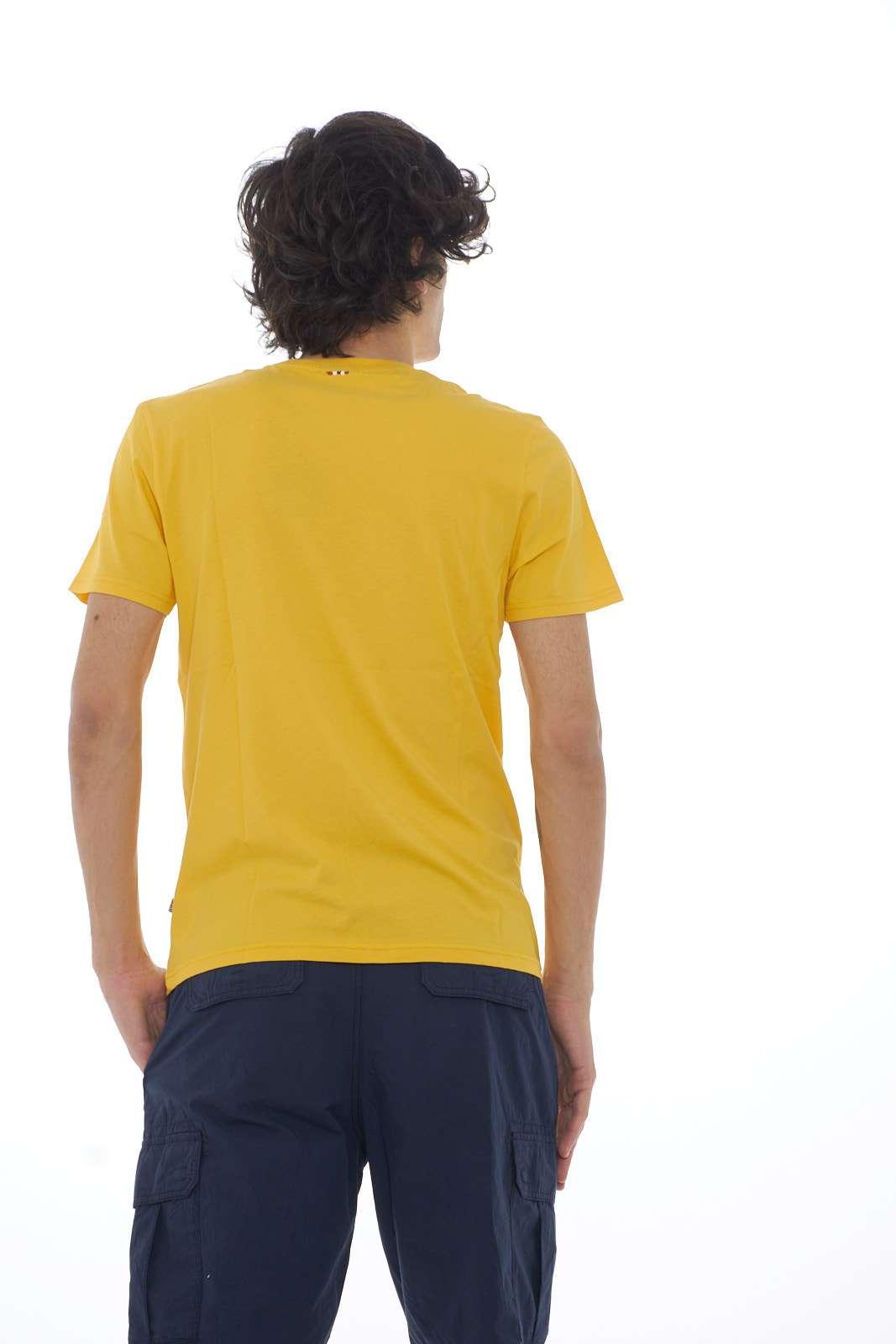 https://www.parmax.com/media/catalog/product/a/i/PE-outlet_parmax-t-shirt-uomo-Napapijri-N0YJAY-C.jpg