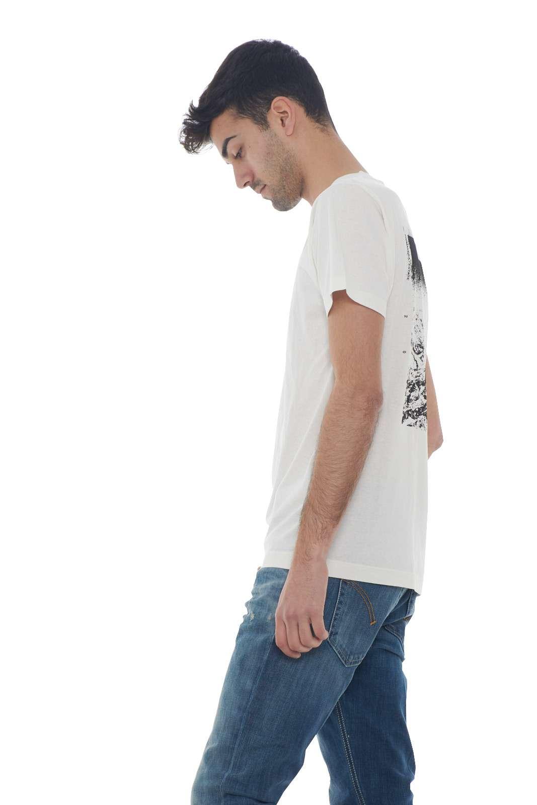 https://www.parmax.com/media/catalog/product/a/i/PE-outlet_parmax-t-shirt-uomo-Stone-Island-72152ns84-B.jpg