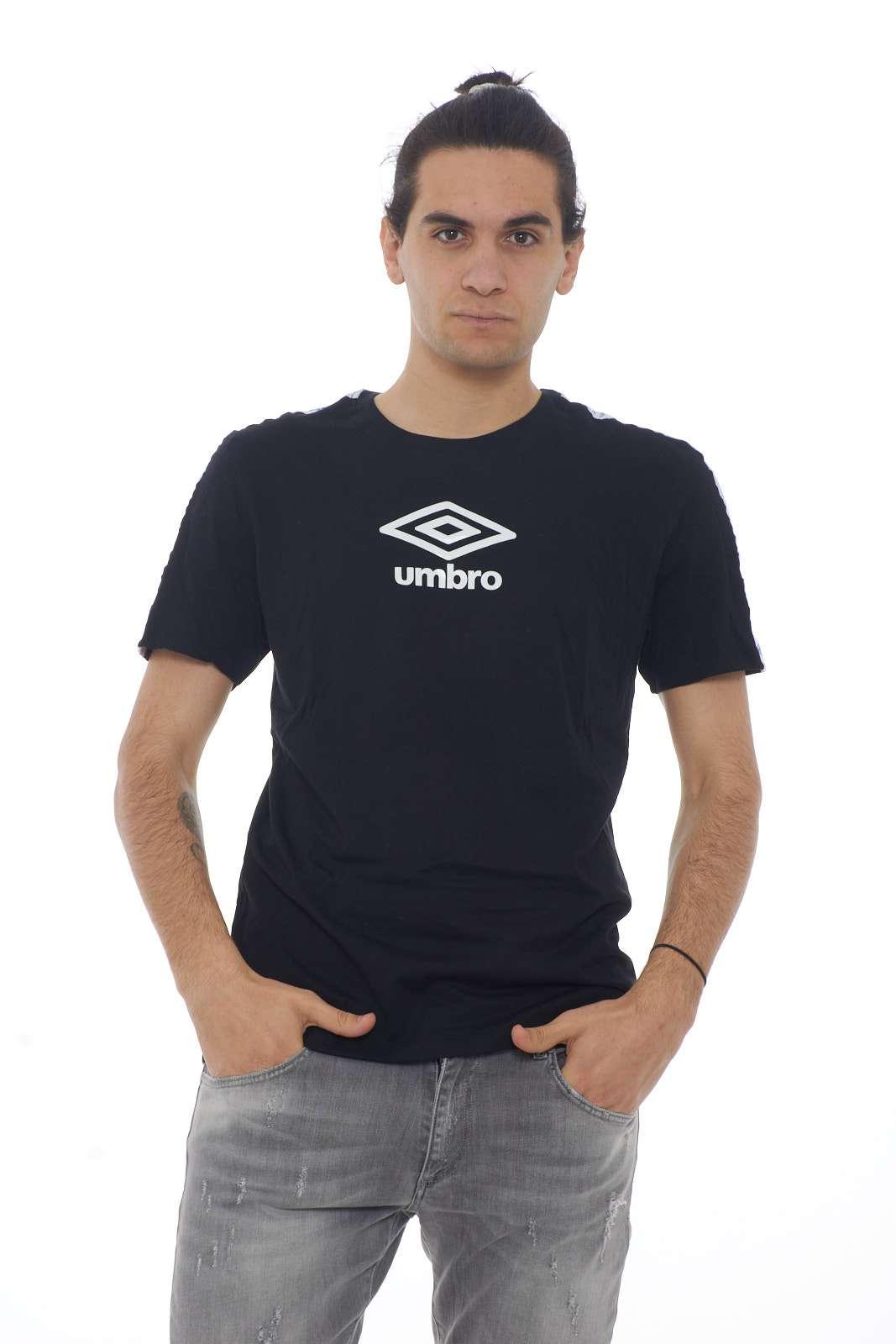 https://www.parmax.com/media/catalog/product/a/i/PE-outlet_parmax-t-shirt-uomo-Umbro-19ETPU0170-A.jpg