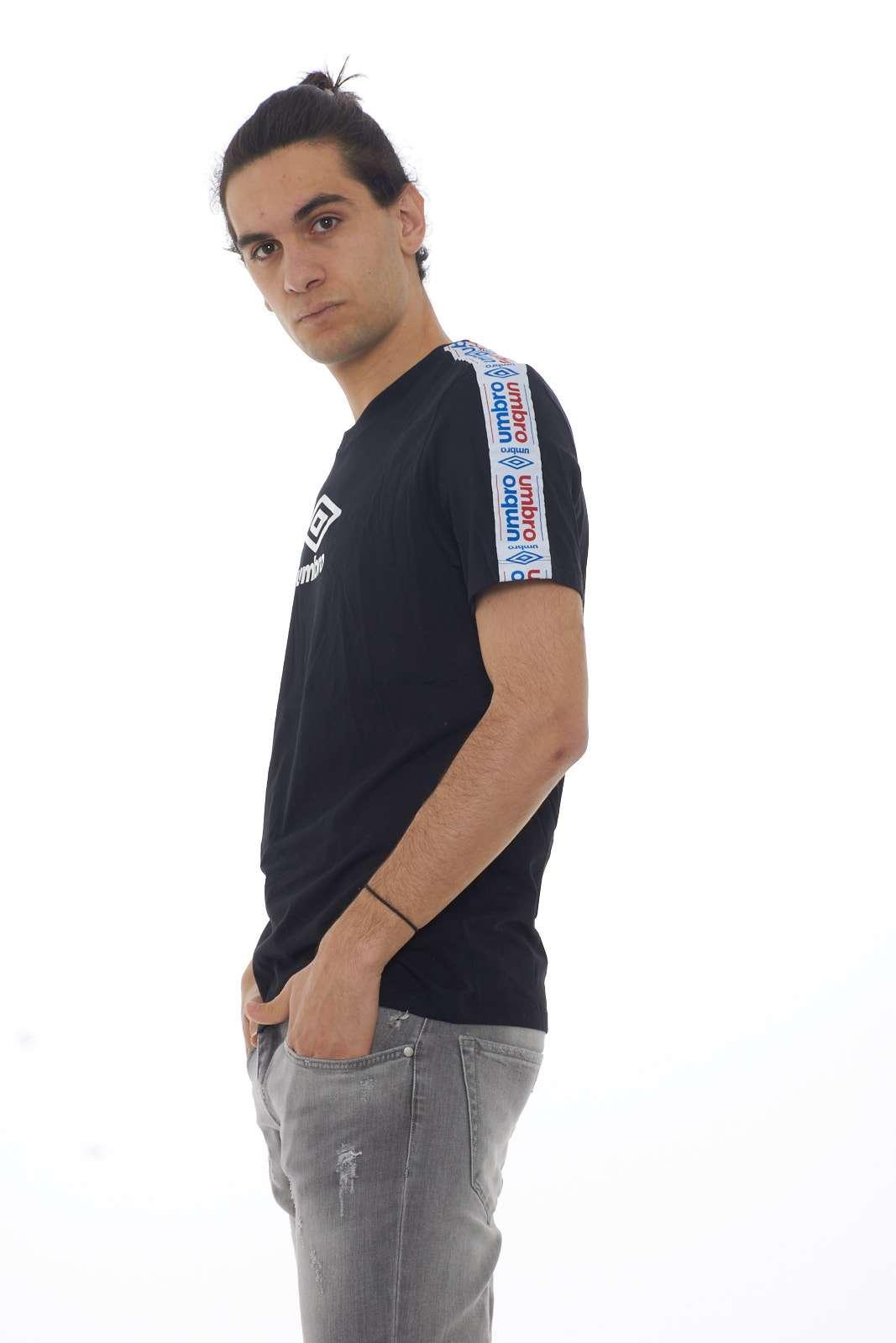 https://www.parmax.com/media/catalog/product/a/i/PE-outlet_parmax-t-shirt-uomo-Umbro-19ETPU0170-B.jpg
