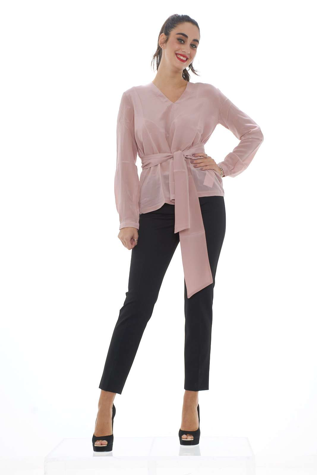 https://www.parmax.com/media/catalog/product/a/i/ai-outlet_parmax-blusa-donna-maxmara-aguzzo-d.jpg