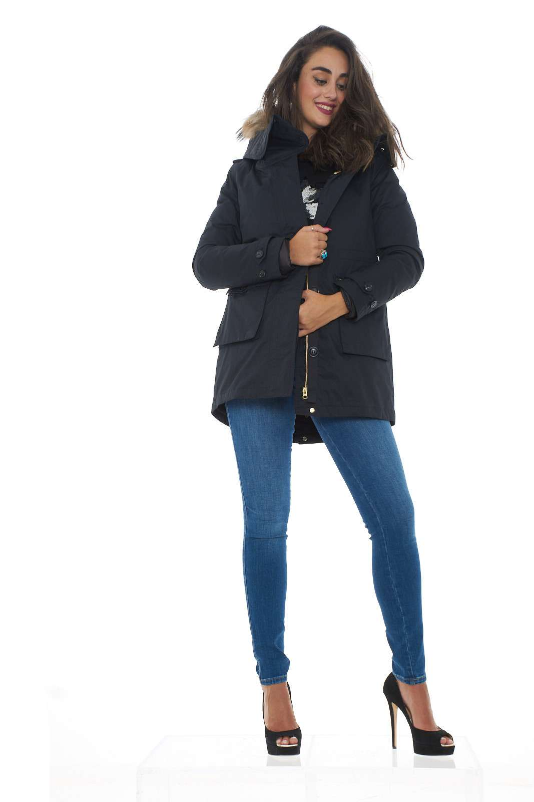 https://www.parmax.com/media/catalog/product/a/i/ai-outlet_parmax-cappotto-donna-woolrich-wwcps2685-d.jpg