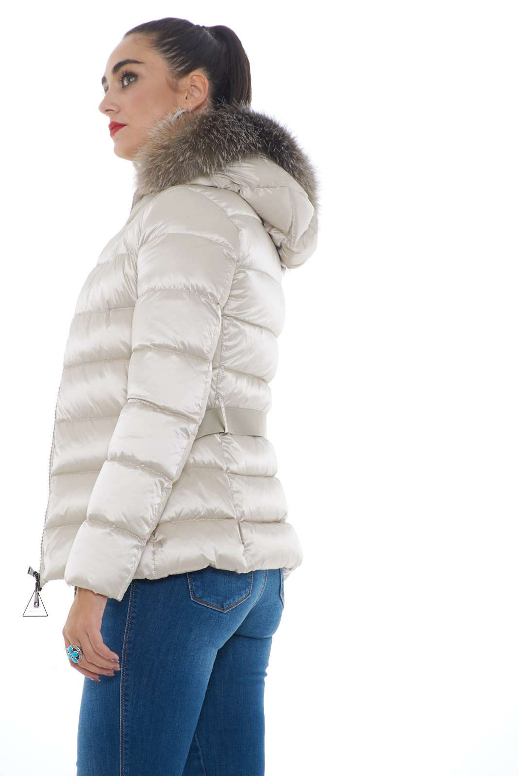 https://www.parmax.com/media/catalog/product/a/i/ai-outlet_parmax-giubbino-donna-moncler-tatie-b.jpg