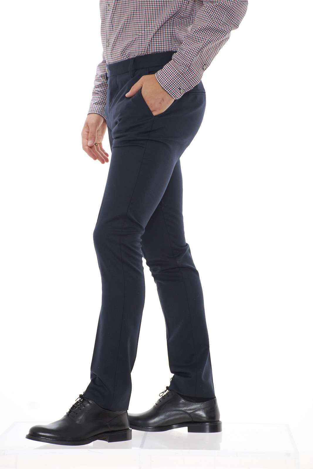 https://www.parmax.com/media/catalog/product/a/i/ai-outlet_parmax-pantaloni-uomo-entre-amis-a198346520-b.jpg