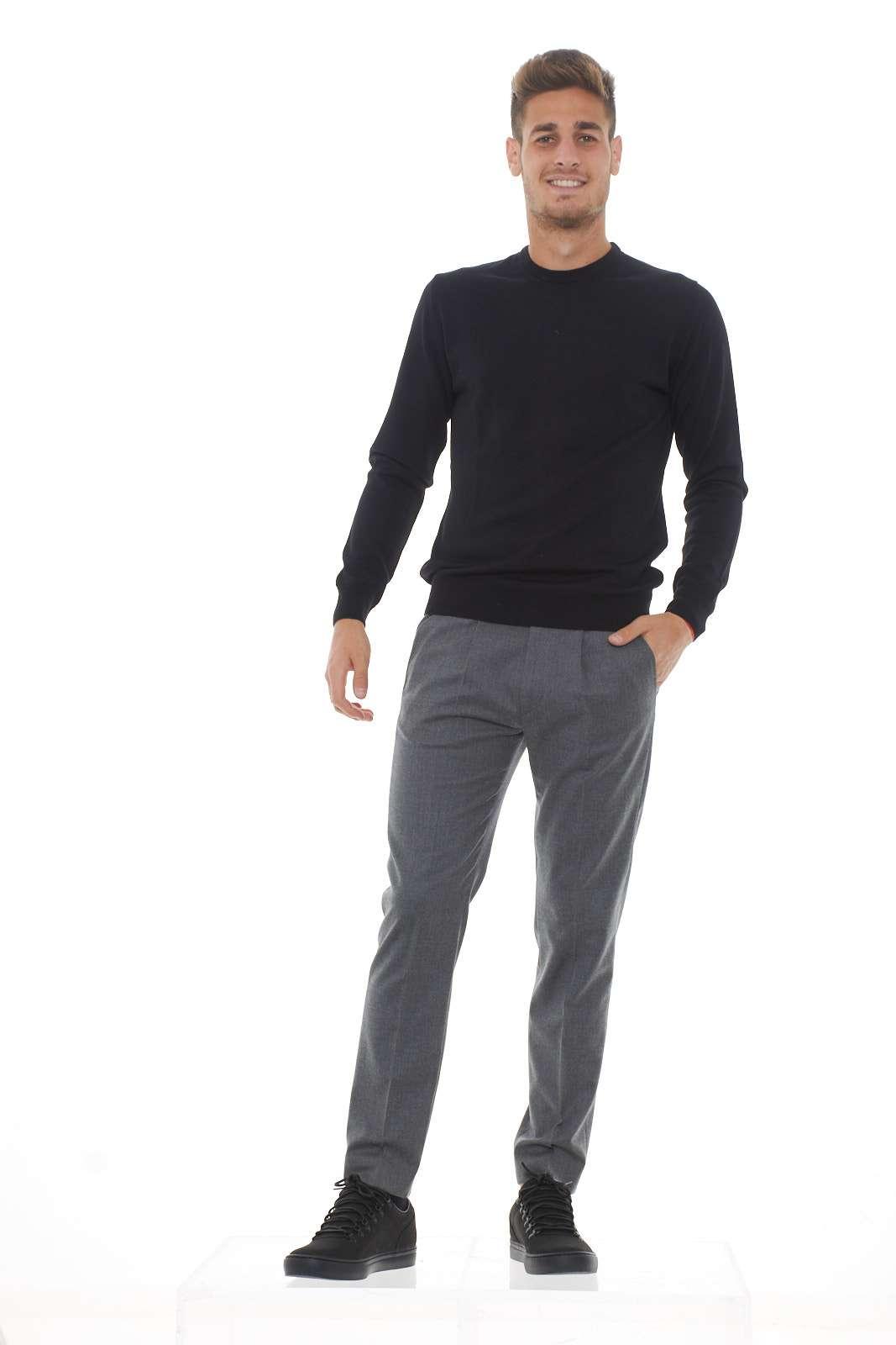 https://www.parmax.com/media/catalog/product/a/i/ai-outlet_parmax-pantaloni-uomo-entre-amis-a198355520-d.jpg