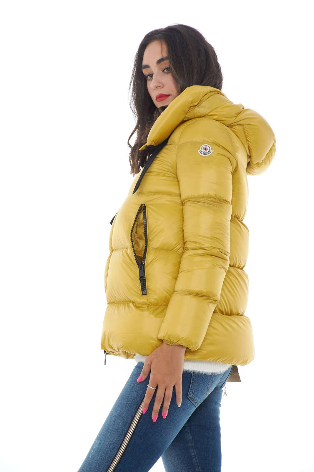 https://www.parmax.com/media/catalog/product/a/i/ai-outlet_parmax-piumino-donna-moncler-serin-b.jpg