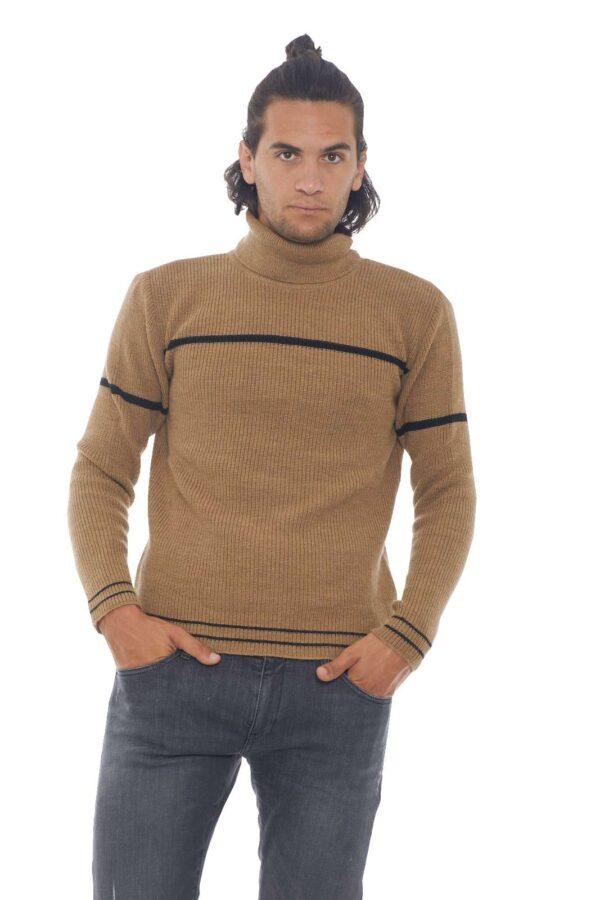 Un caldo maglione in lana alpaca, quello firmato Diktat, perfetto per outfit invernali comodo e raffinati. Una tendenza evergreen quella del collo, alto, ormai immancabile nel guardaroba maschile. Da indossare da solo, o anche come sotto giacca, per uno stile chic ed esclusivo. Il modello è alto 1.90m e indossa la taglia L.