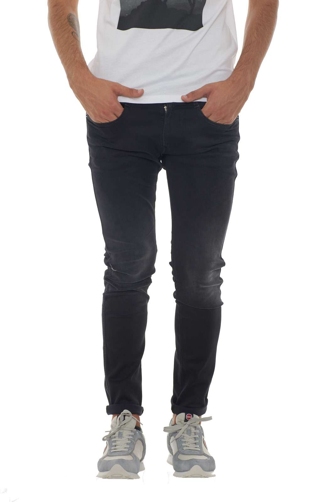https://www.parmax.com/media/catalog/product/a/i/AI-Outlet_Parmax-Pantalone-Uomo-Replay-M91400066106B-A.jpg