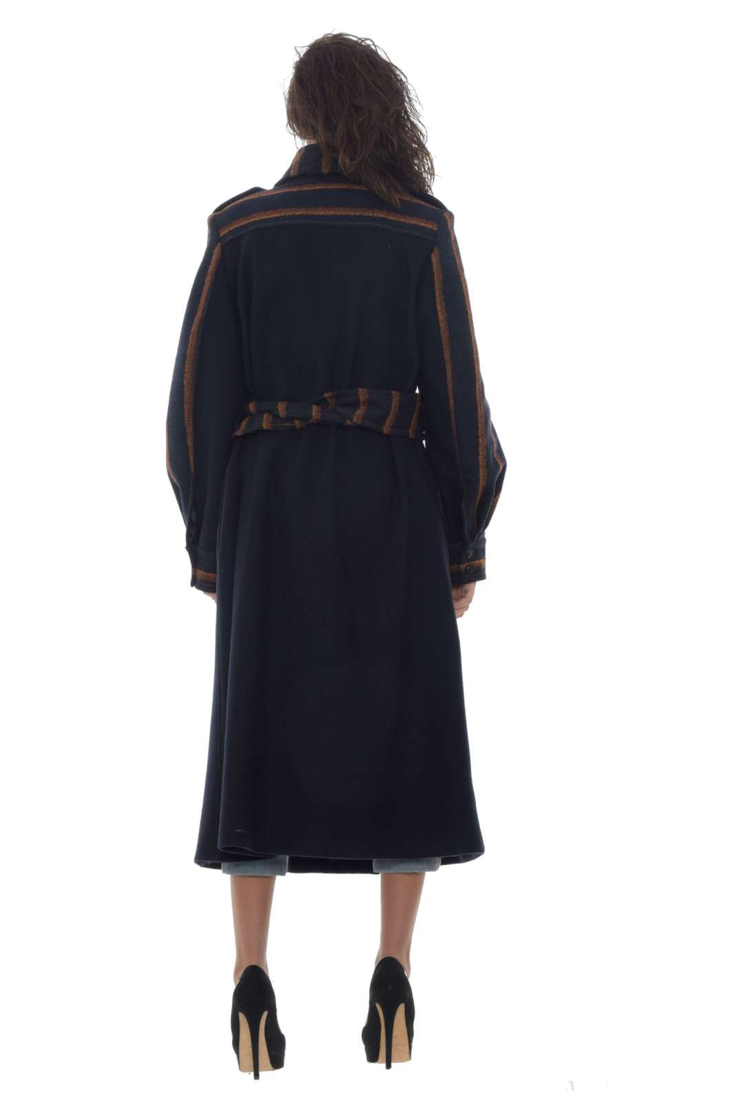 https://www.parmax.com/media/catalog/product/a/i/AI-outlet_parmax-cappotto-donna-Isola-Marras-1N9109-B_1.jpg