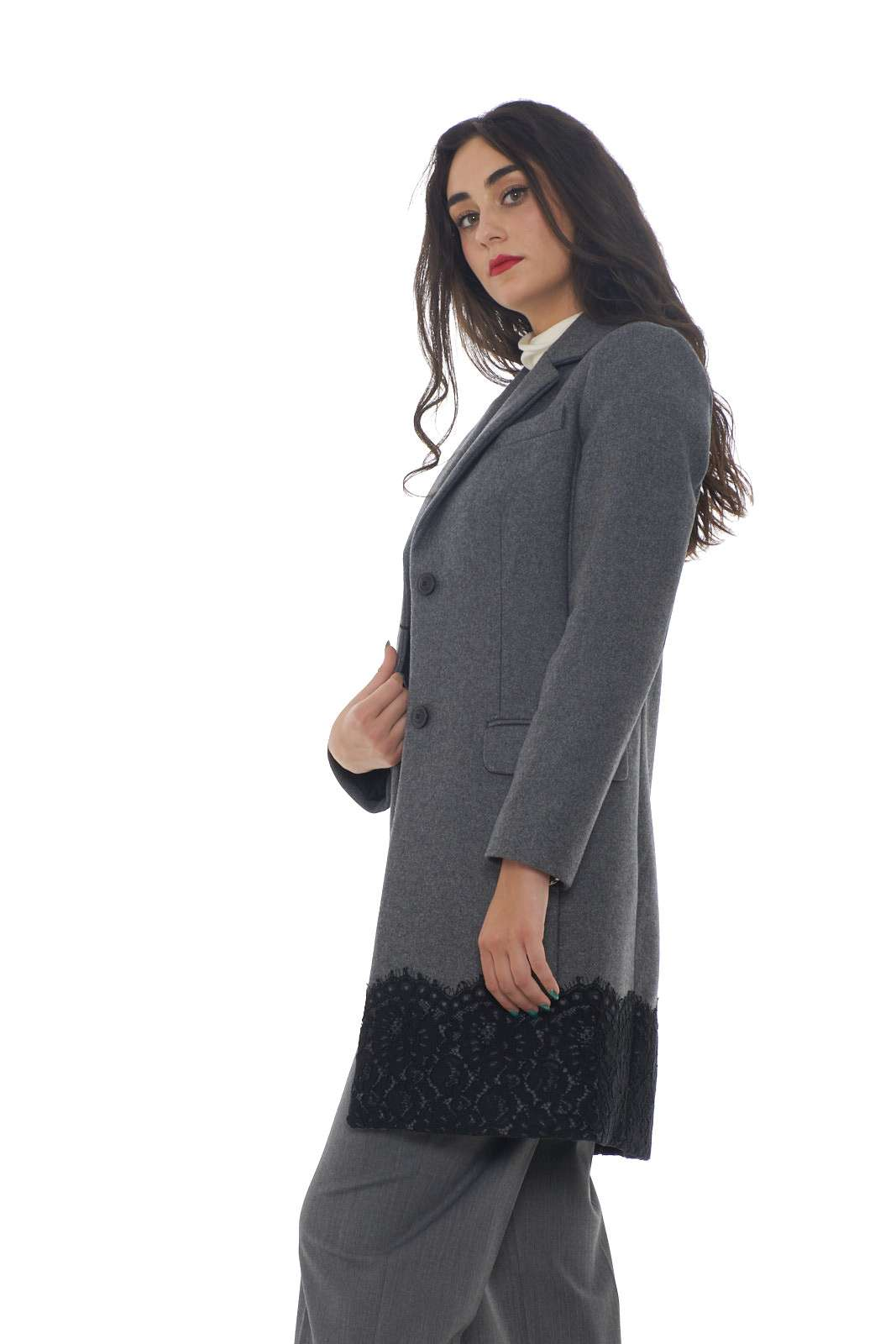 https://www.parmax.com/media/catalog/product/a/i/AI-outlet_parmax-cappotto-donna-Twin-Set-192TP2314-B.jpg