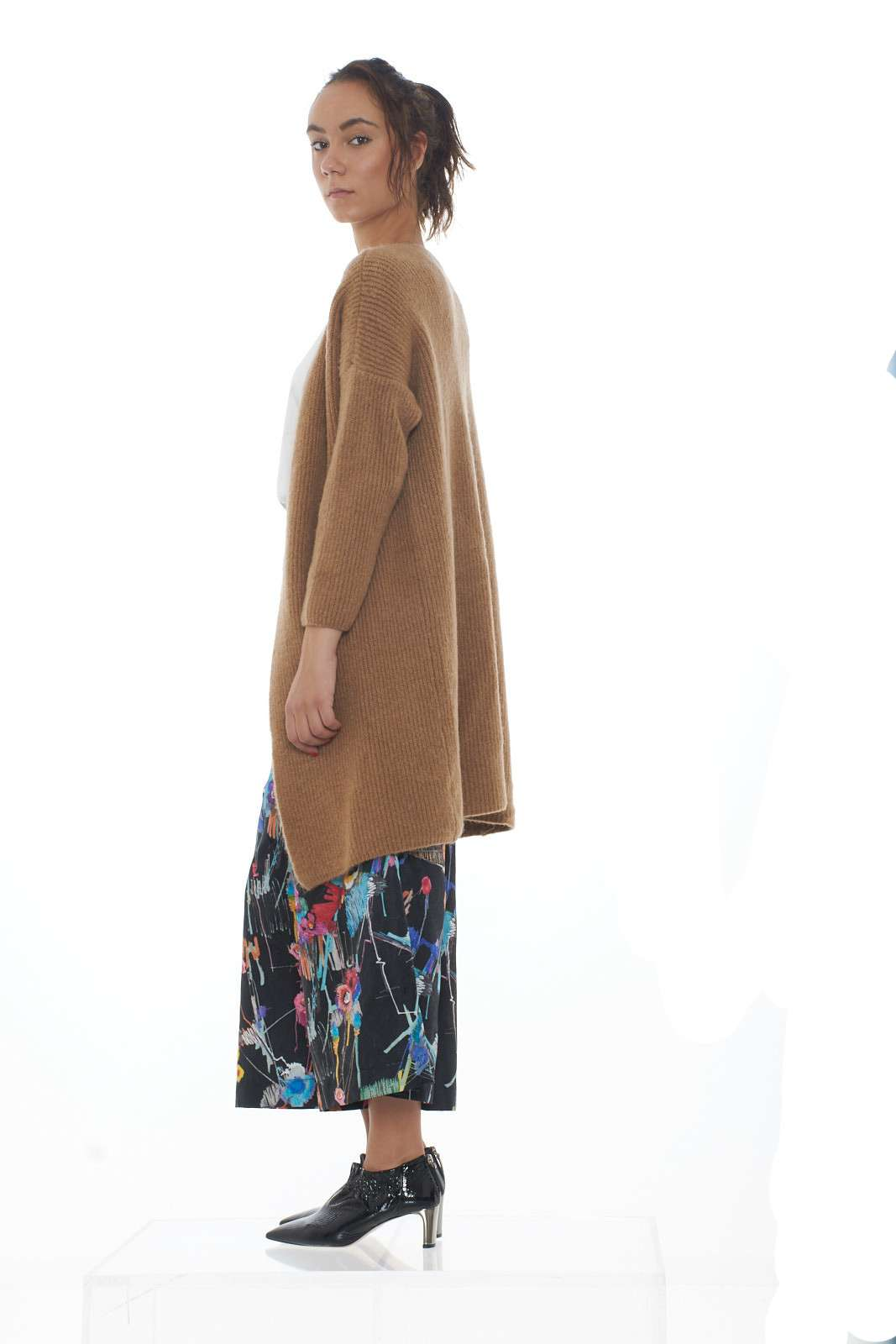 https://www.parmax.com/media/catalog/product/a/i/AI-outlet_parmax-cardigan-donna-Suf%C3%A8-SF2254-B.jpg
