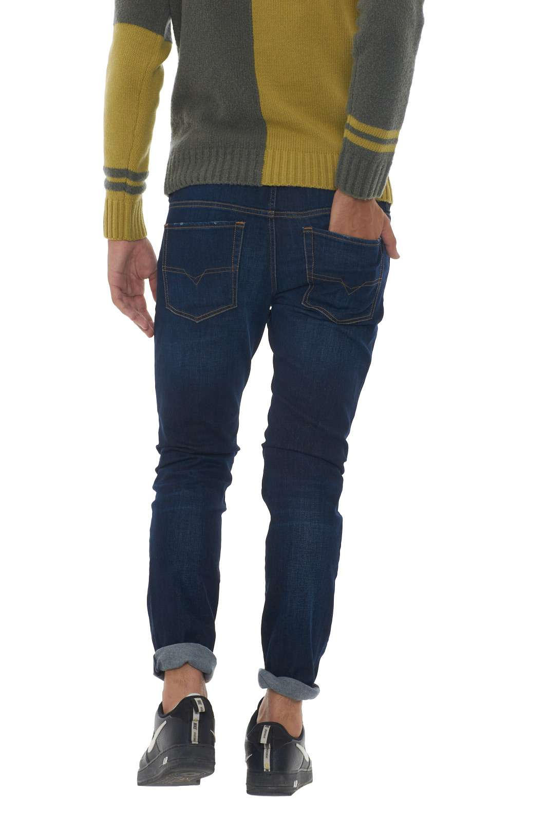 https://www.parmax.com/media/catalog/product/a/i/AI-outlet_parmax-denim-uomo-Diesel-00SWJF%20083AW-C.jpg