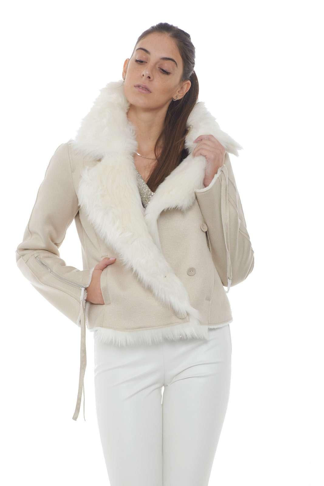 https://www.parmax.com/media/catalog/product/a/i/AI-outlet_parmax-giacca-donna-Patrizia-Pepe-2l0847-A.jpg