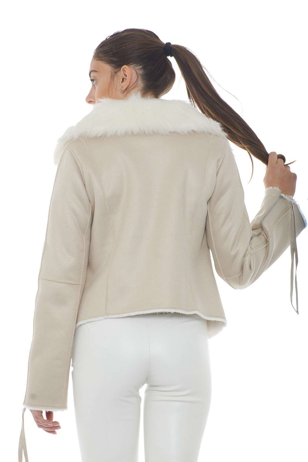 https://www.parmax.com/media/catalog/product/a/i/AI-outlet_parmax-giacca-donna-Patrizia-Pepe-2l0847-C.jpg