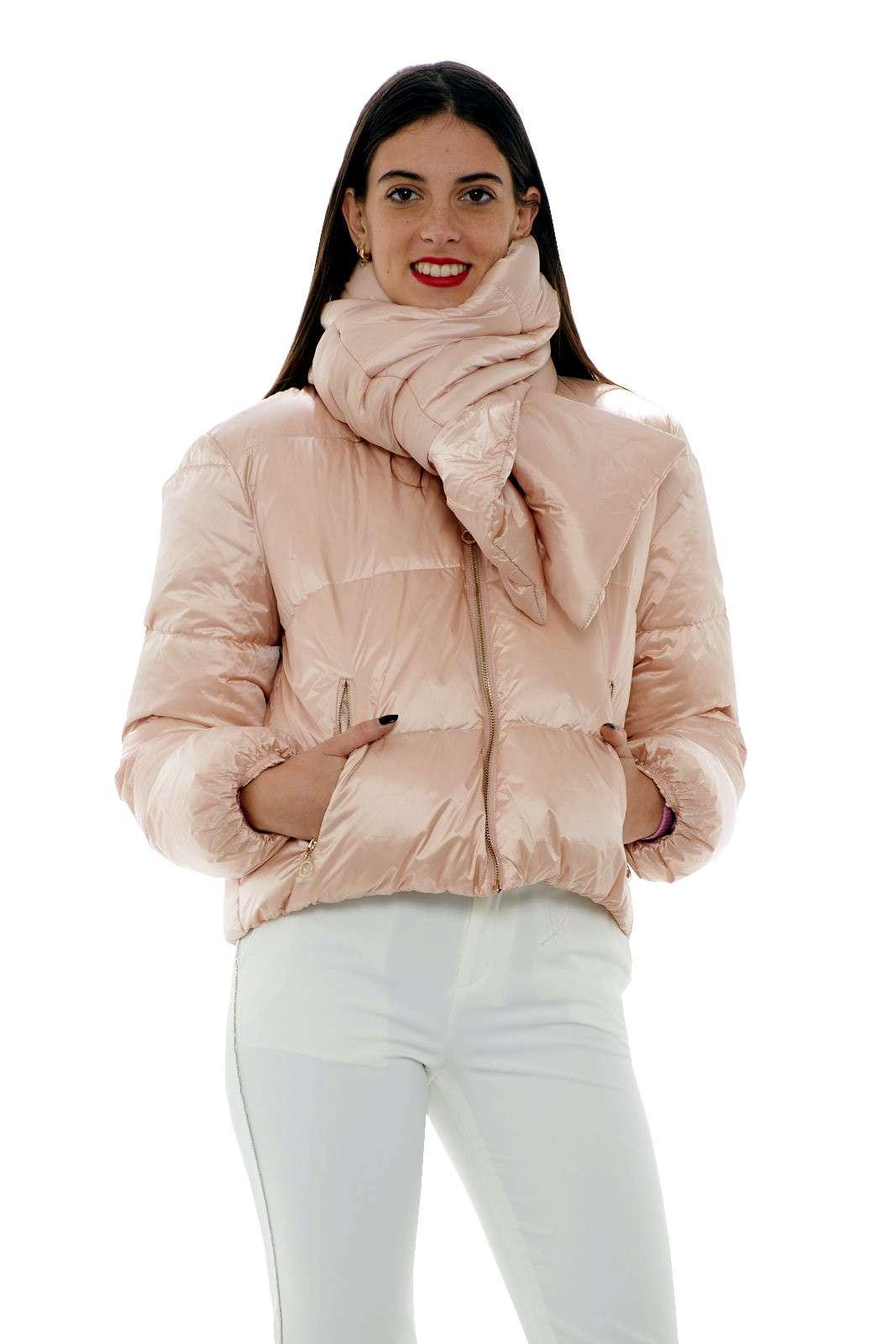 https://www.parmax.com/media/catalog/product/a/i/AI-outlet_parmax-giubbino-donna-Liu-Jo-t69024-A.jpg