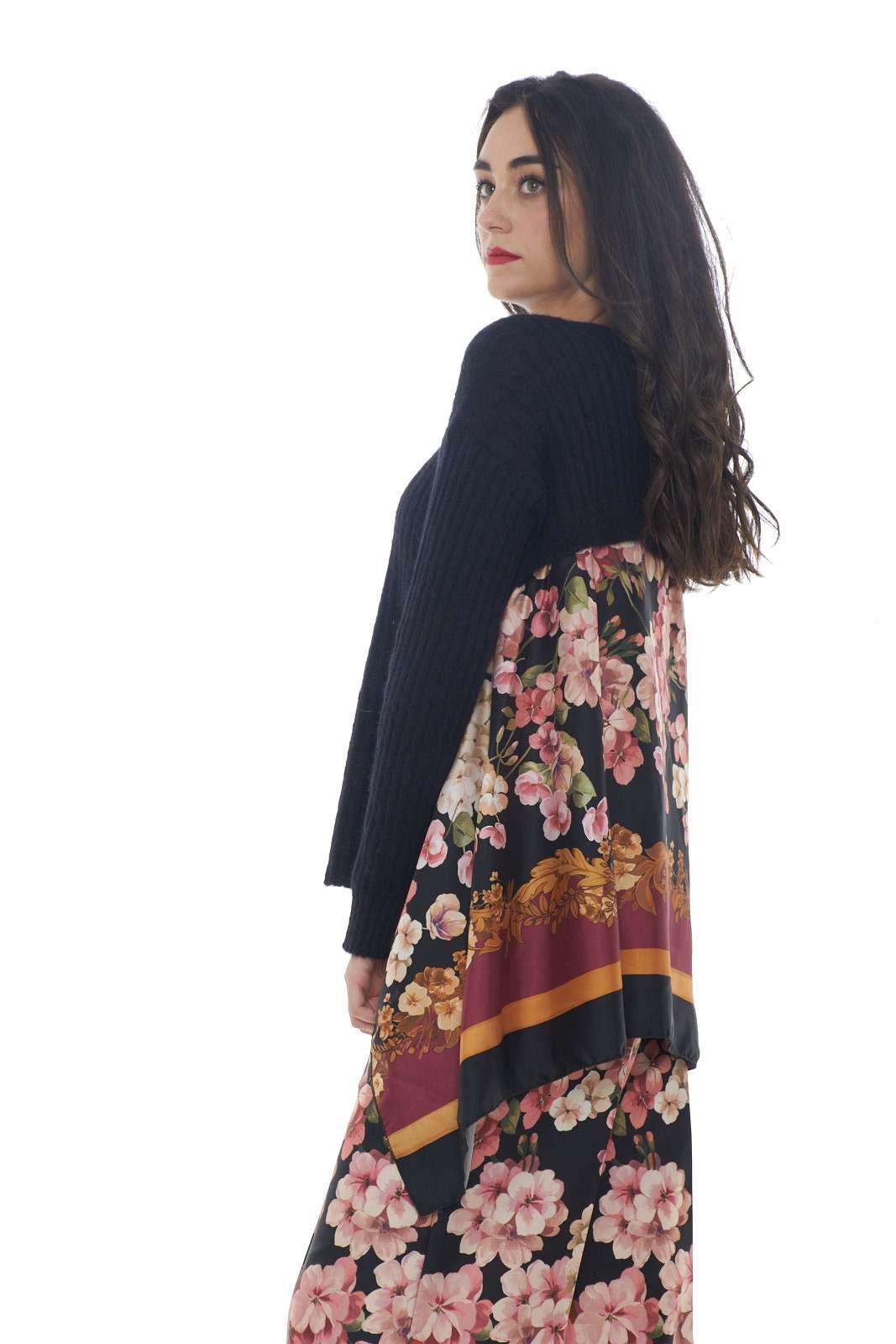 https://www.parmax.com/media/catalog/product/a/i/AI-outlet_parmax-maglia-donna-Twin-Set-192TP3062-B.jpg
