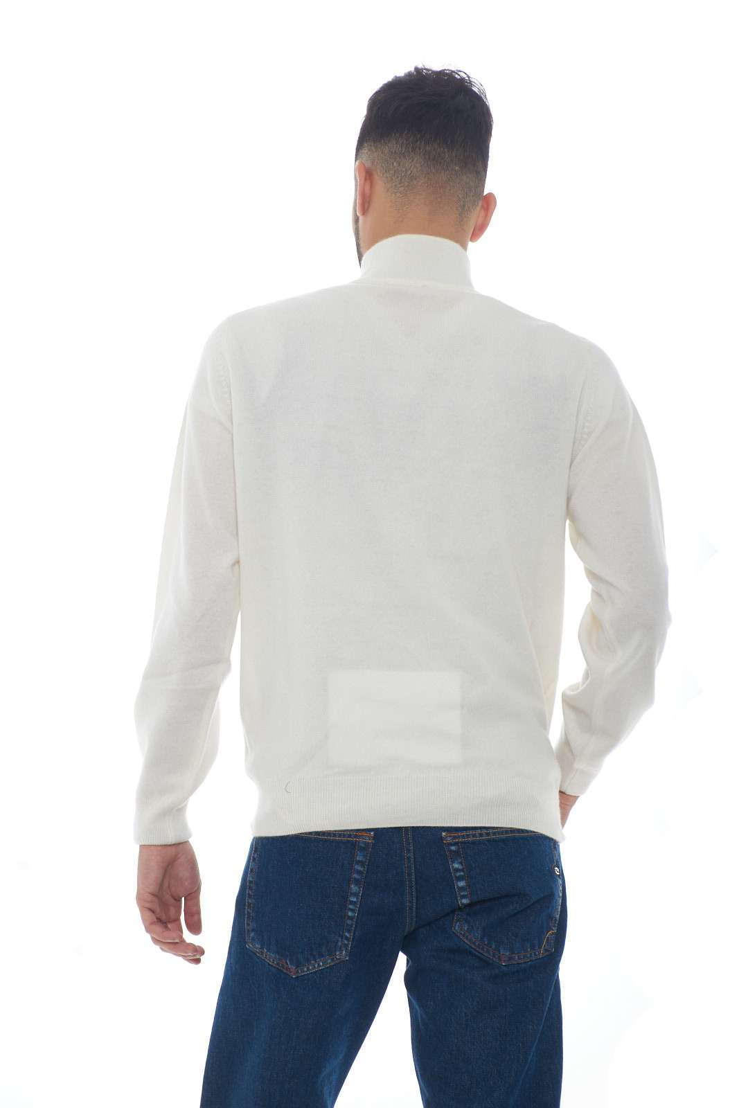 https://www.parmax.com/media/catalog/product/a/i/AI-outlet_parmax-maglia-uomo-Acquapura-003-C.jpg