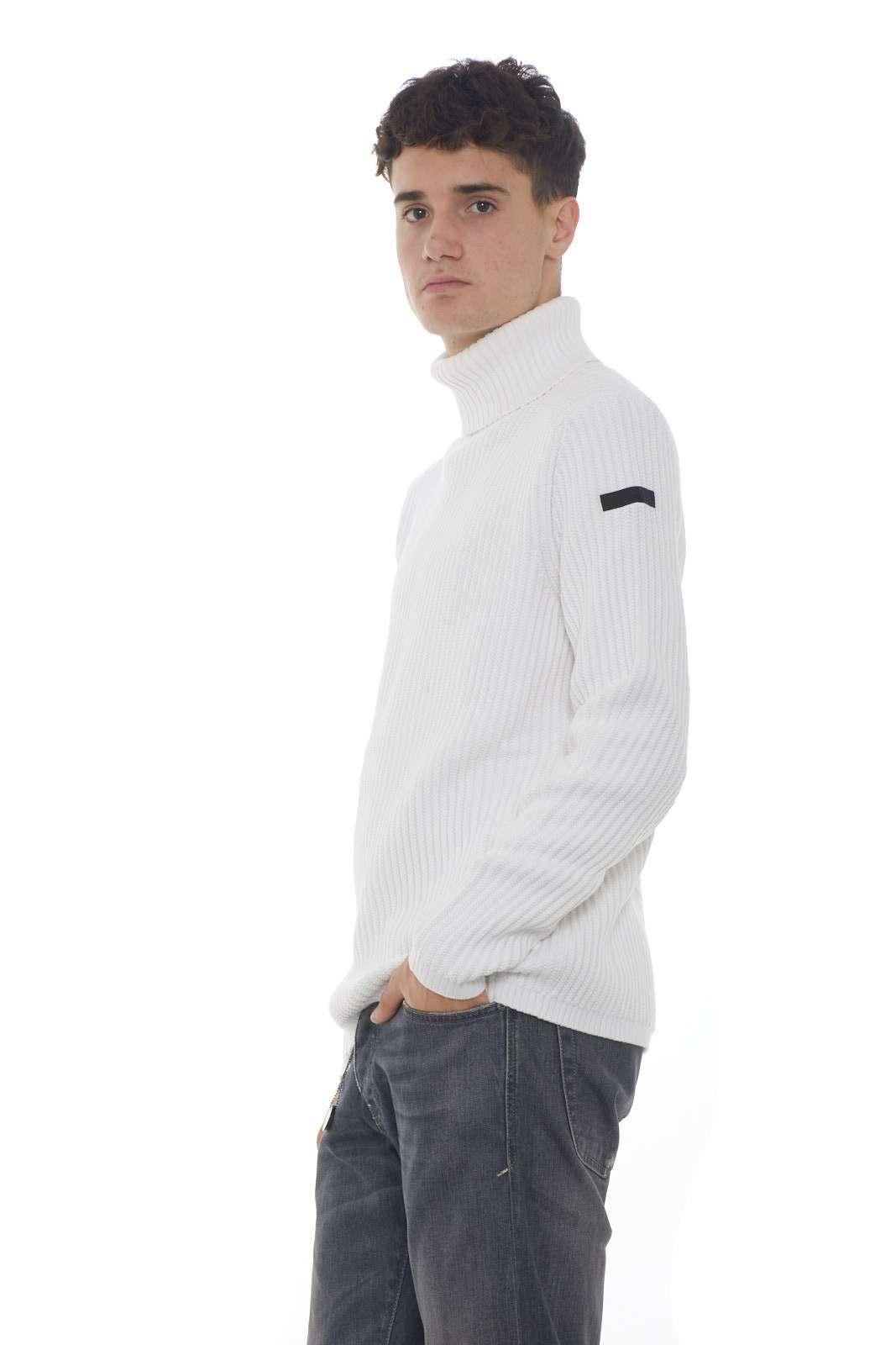 https://www.parmax.com/media/catalog/product/a/i/AI-outlet_parmax-maglia-uomo-RRD-W19112-B.jpg