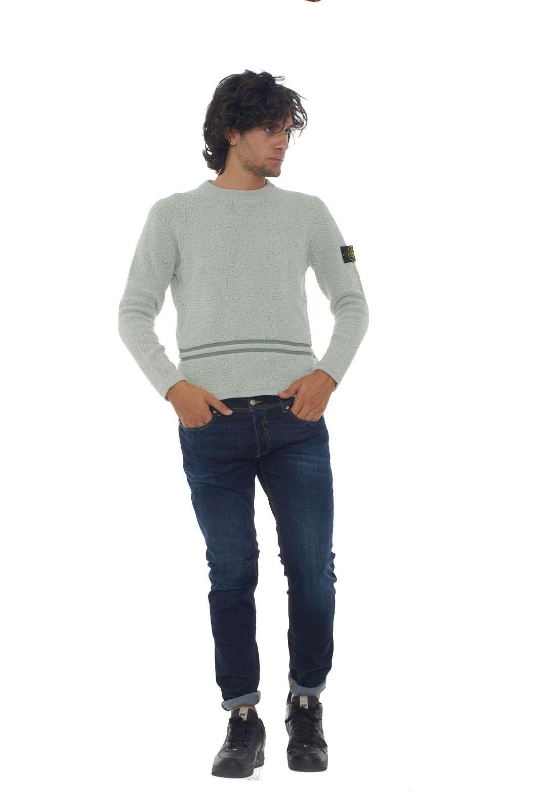 https://www.parmax.com/media/catalog/product/a/i/AI-outlet_parmax-maglia-uomo-Stone-Island-7115517B1-D.jpg