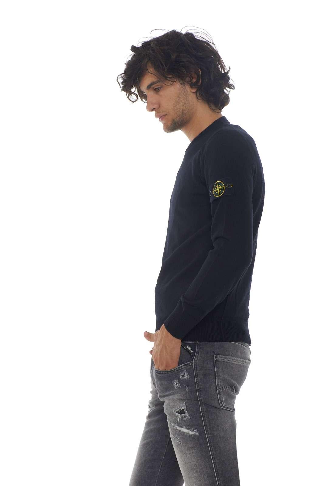 https://www.parmax.com/media/catalog/product/a/i/AI-outlet_parmax-maglia-uomo-Stone-Island-7115524C4-B.jpg