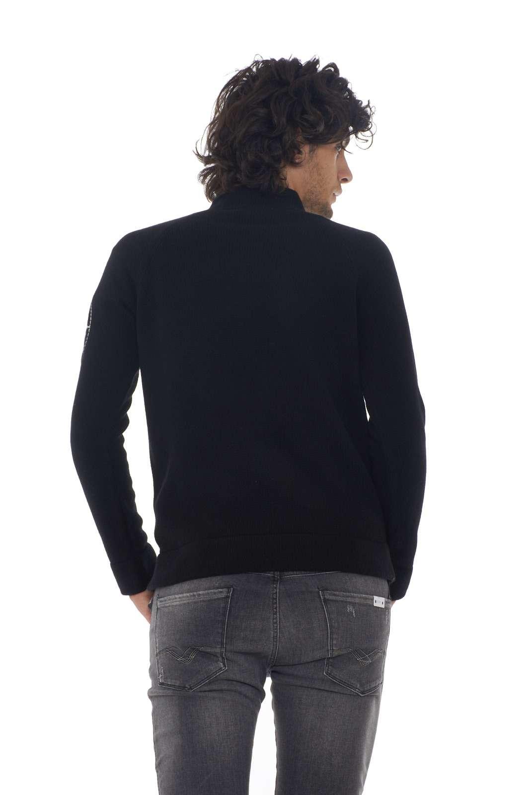 https://www.parmax.com/media/catalog/product/a/i/AI-outlet_parmax-maglia-uomo-Stone-Island-7115548C7-C.jpg