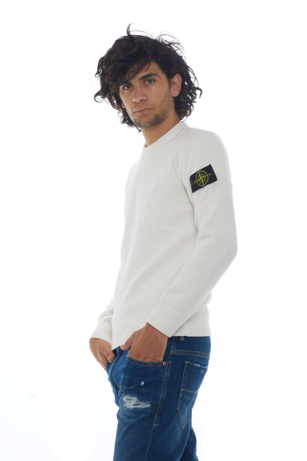 https://www.parmax.com/media/catalog/product/a/i/AI-outlet_parmax-maglia-uomo-Stone-Island-7115552A3-B.jpg