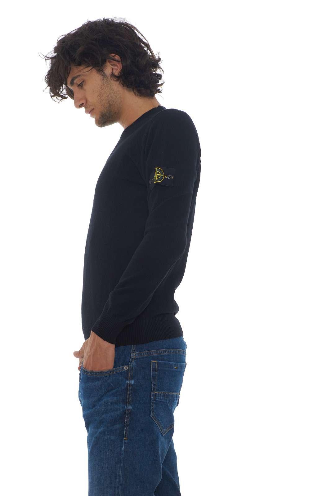 https://www.parmax.com/media/catalog/product/a/i/AI-outlet_parmax-maglia-uomo-Stone-Island-7115591A1-B.jpg