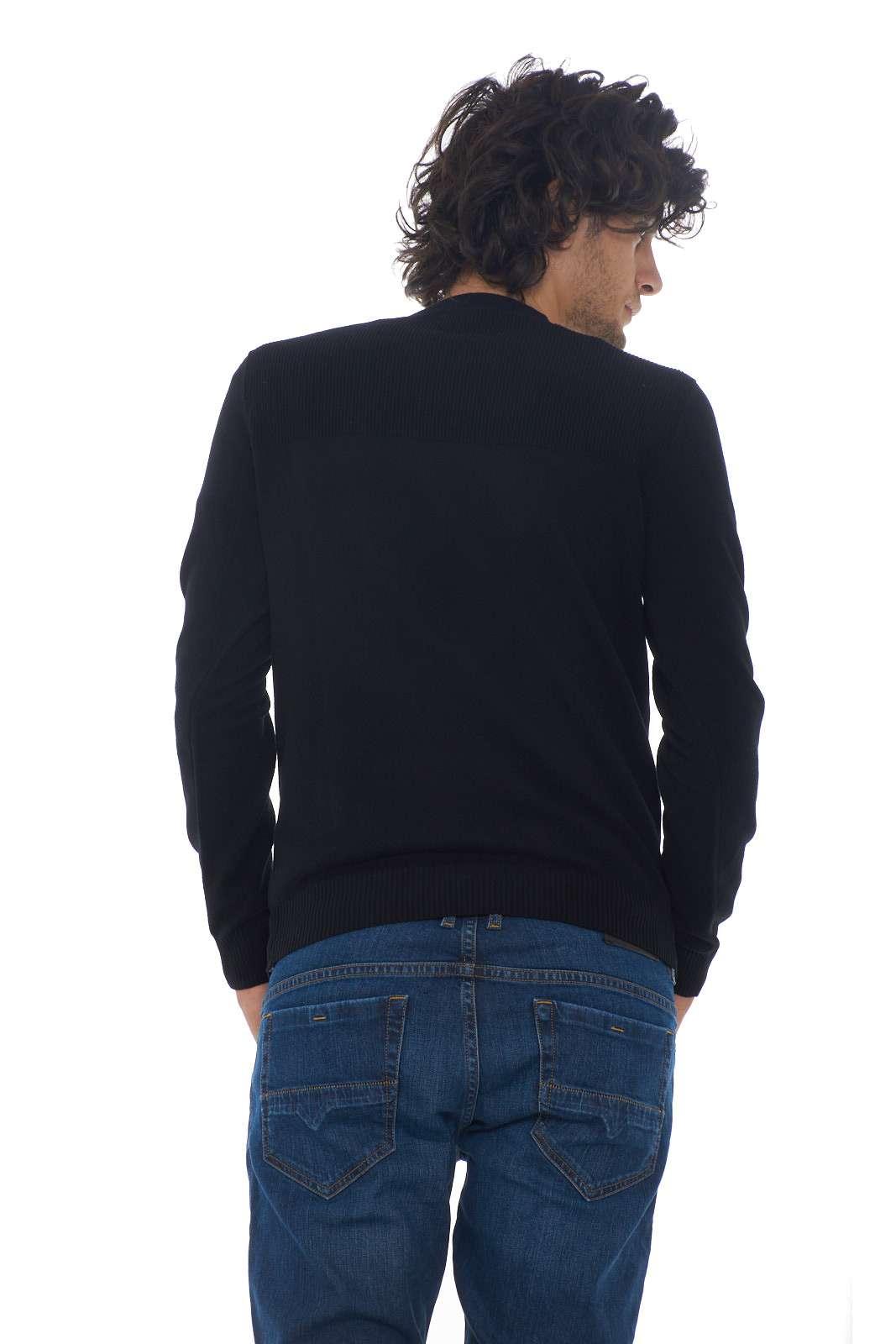 https://www.parmax.com/media/catalog/product/a/i/AI-outlet_parmax-maglia-uomo-Stone-Island-7115591A1-C.jpg