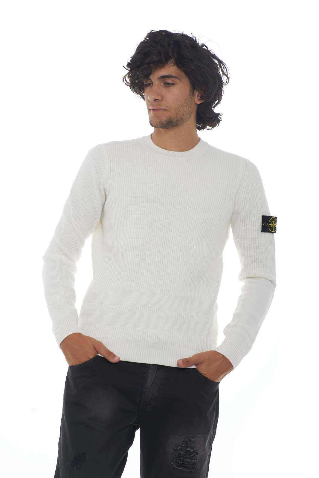 https://www.parmax.com/media/catalog/product/a/i/AI-outlet_parmax-maglia-uomo-Stone-Island-7115592A1-A_2.jpg