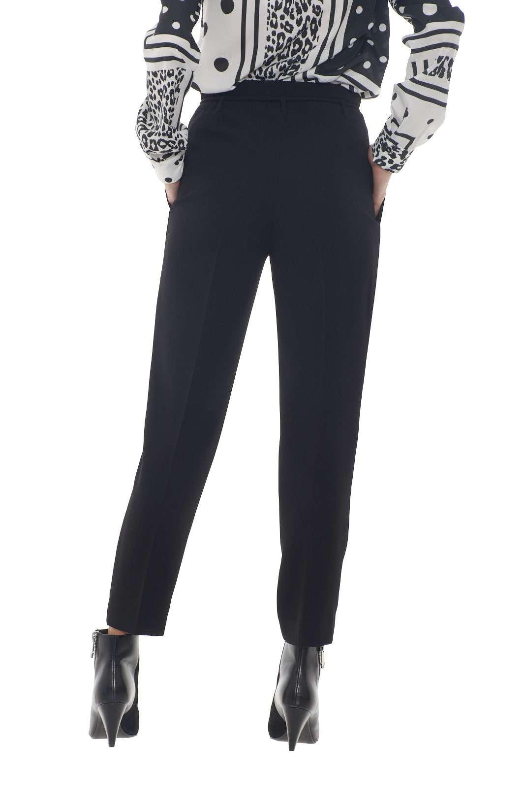 https://www.parmax.com/media/catalog/product/a/i/AI-outlet_parmax-pantaloni-donna-Liu-Jo-C19146-C.jpg