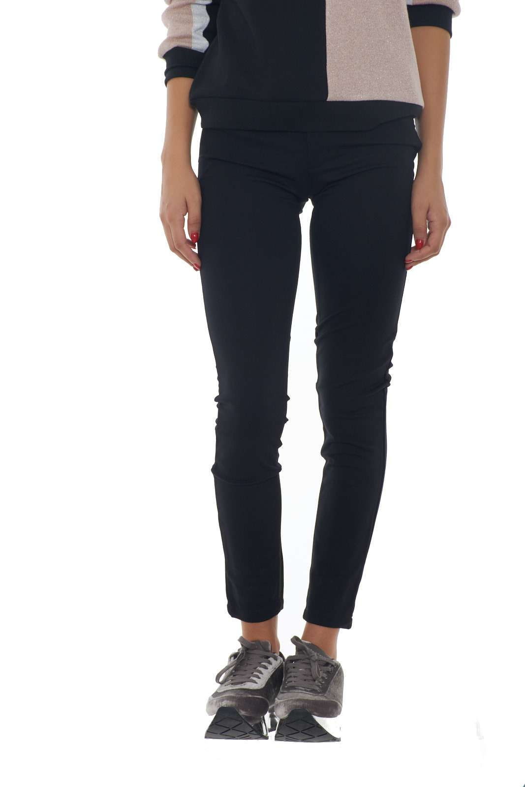 https://www.parmax.com/media/catalog/product/a/i/AI-outlet_parmax-pantaloni-donna-Liu-Jo-T69033-A.jpg