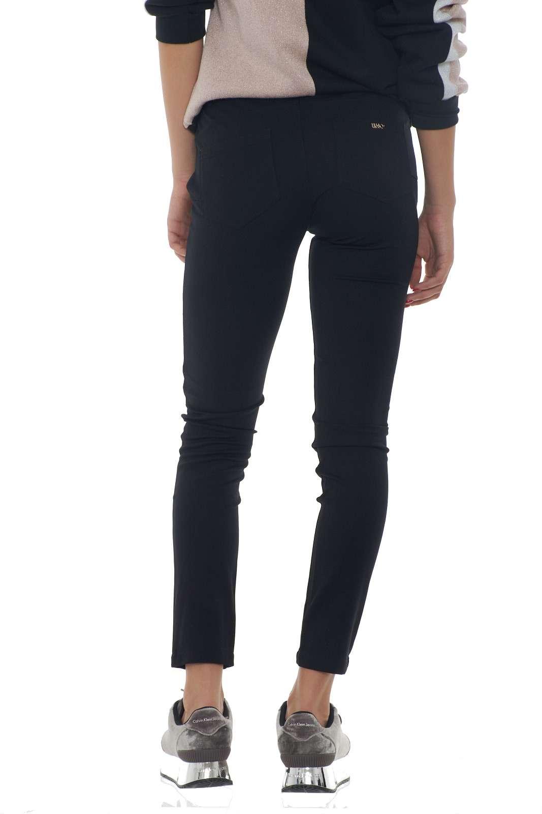 https://www.parmax.com/media/catalog/product/a/i/AI-outlet_parmax-pantaloni-donna-Liu-Jo-T69033-C.jpg