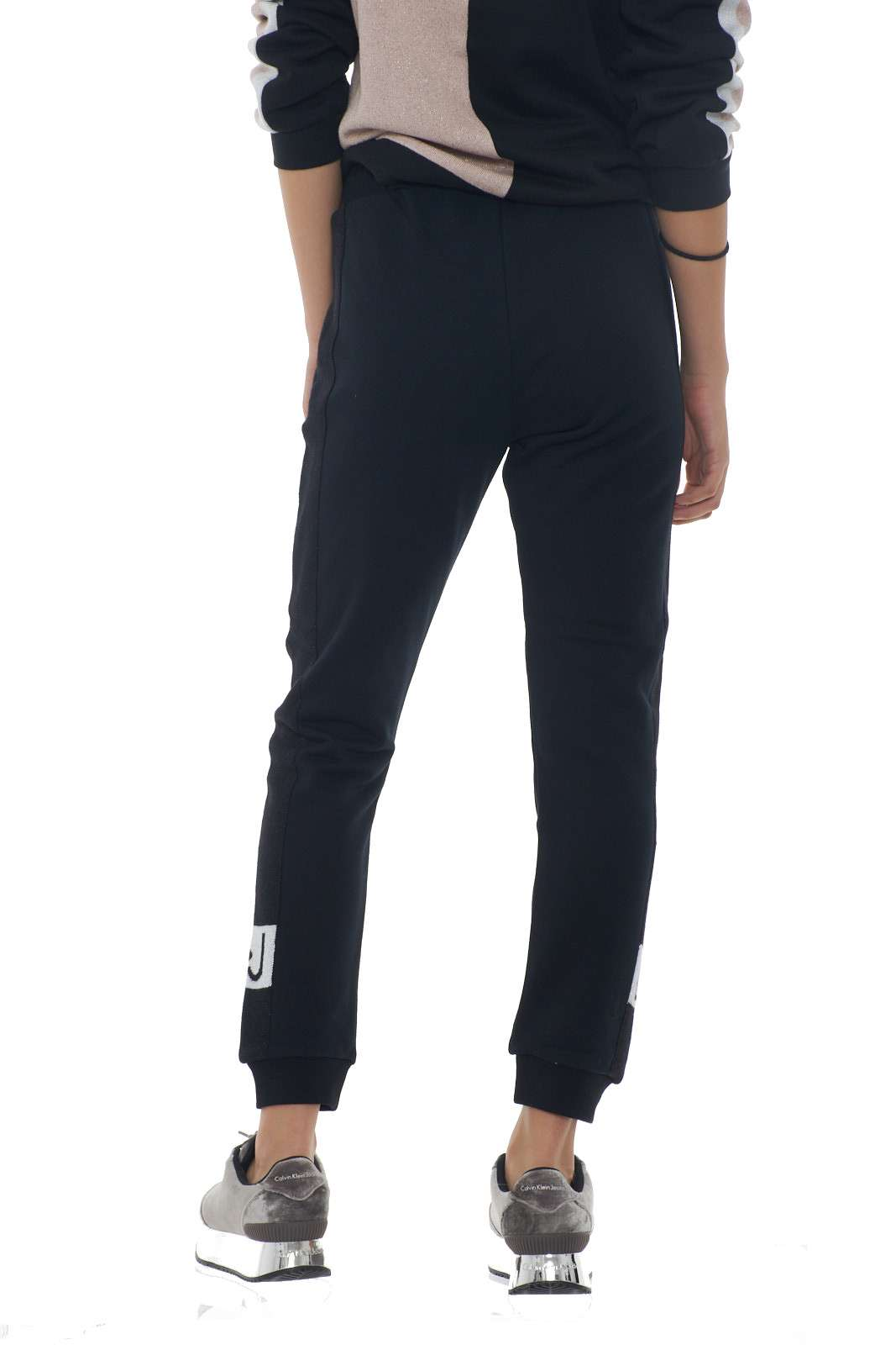 https://www.parmax.com/media/catalog/product/a/i/AI-outlet_parmax-pantaloni-donna-Liu-Jo-T69105-C.jpg