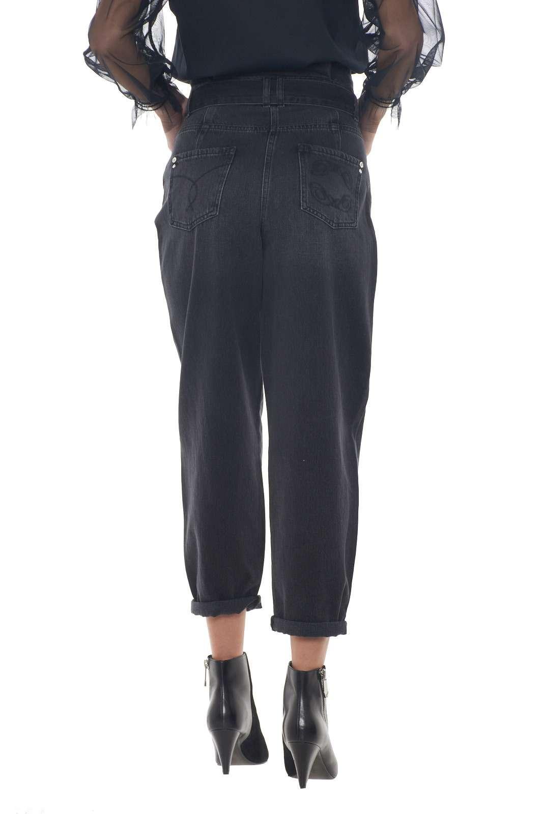 https://www.parmax.com/media/catalog/product/a/i/AI-outlet_parmax-pantaloni-donna-Patrizia-Pepe-j0877-C.jpg