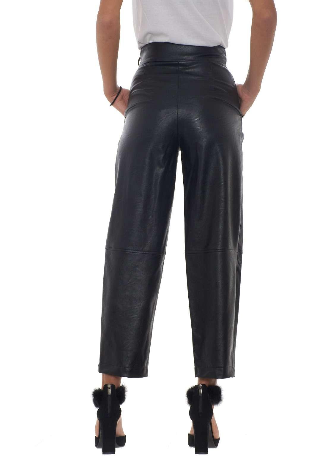 https://www.parmax.com/media/catalog/product/a/i/AI-outlet_parmax-pantaloni-donna-Twin-Set-192TT203C-C.jpg