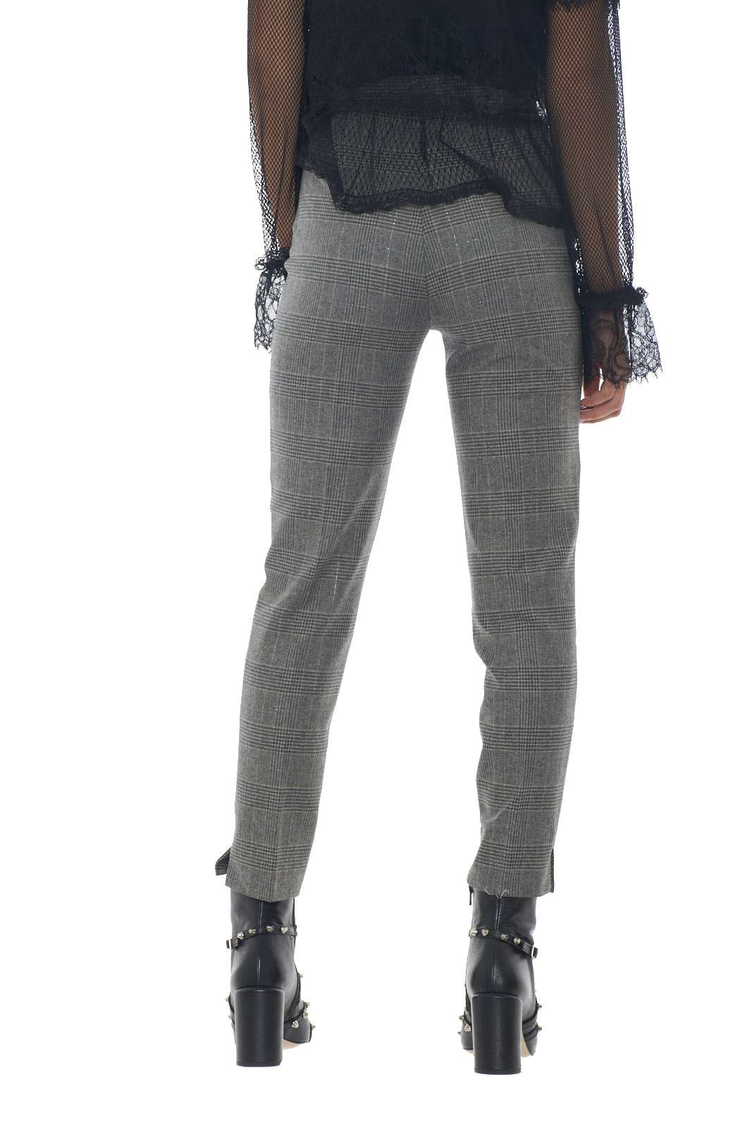 https://www.parmax.com/media/catalog/product/a/i/AI-outlet_parmax-pantaloni-donna-Twin-Set-192TT2440-C.jpg