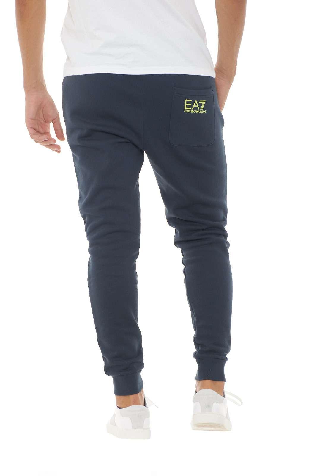https://www.parmax.com/media/catalog/product/a/i/AI-outlet_parmax-pantaloni-uomo-Emporio-Armani-8NPPB5-C.jpg