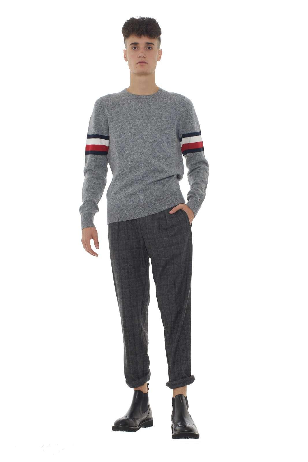 https://www.parmax.com/media/catalog/product/a/i/AI-outlet_parmax-pantaloni-uomo-Micheal%20Coal-carl3305-A.jpg