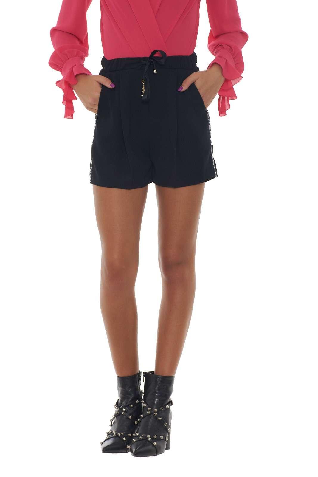 https://www.parmax.com/media/catalog/product/a/i/AI-outlet_parmax-shorts-donna-Elisabetta-Franchi-SH03496E2-A.jpg
