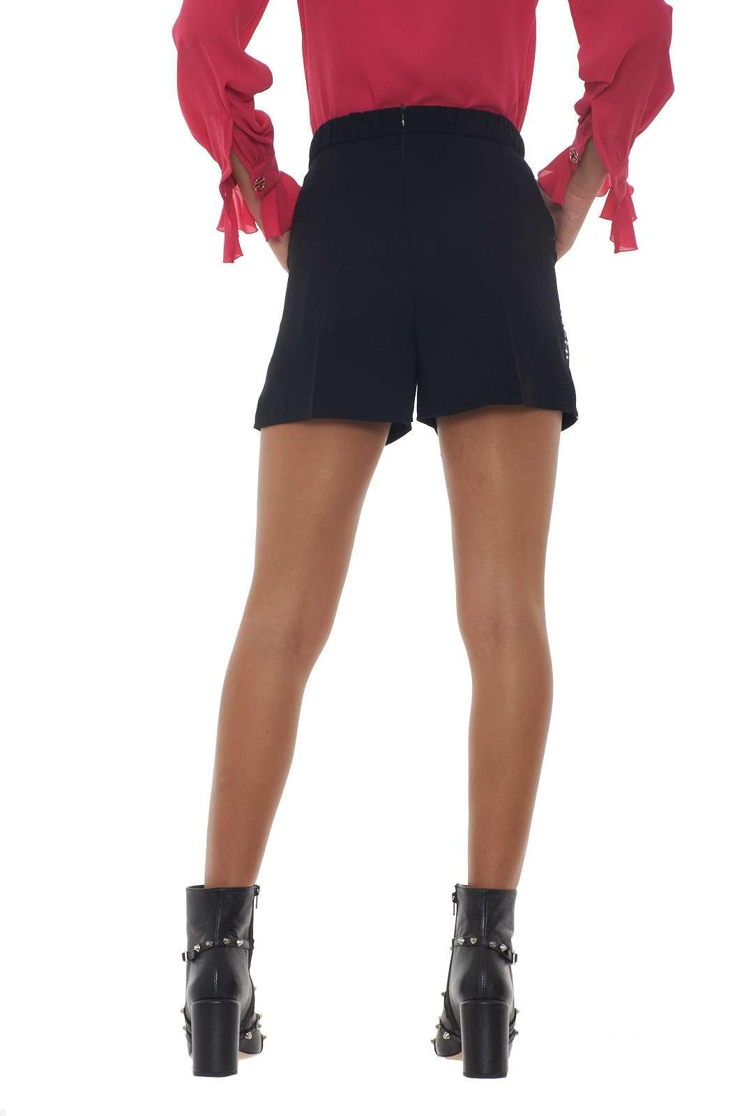 https://www.parmax.com/media/catalog/product/a/i/AI-outlet_parmax-shorts-donna-Elisabetta-Franchi-SH03496E2-C.jpg