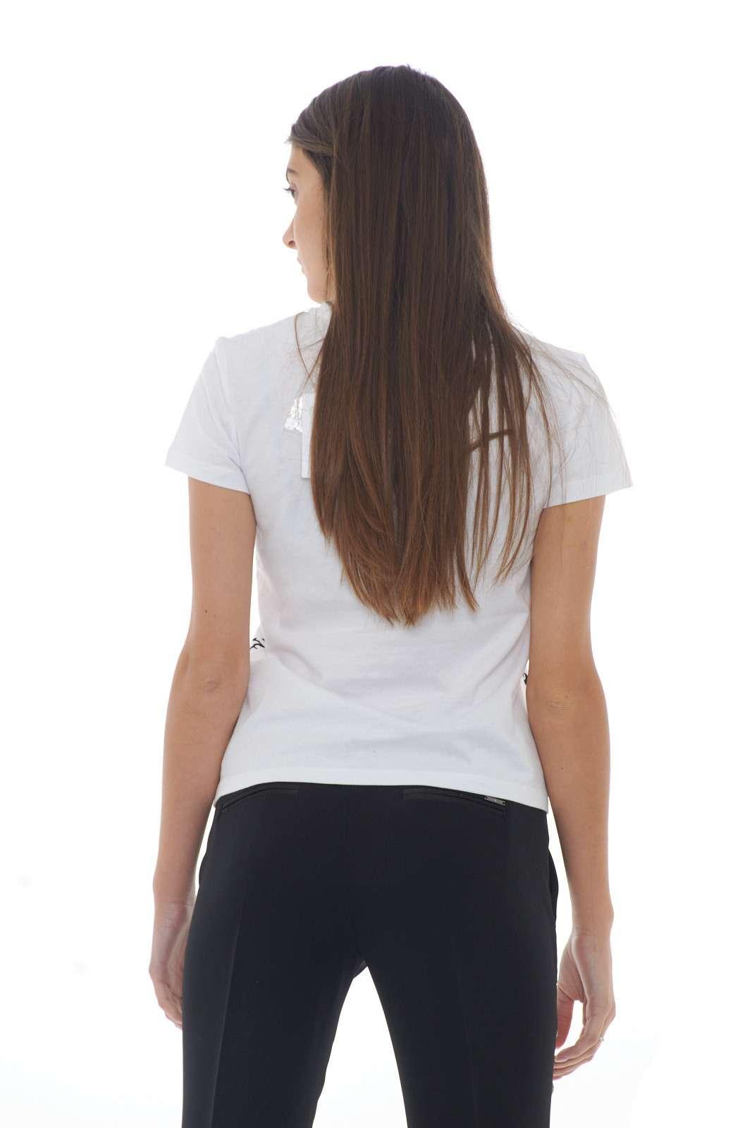 https://www.parmax.com/media/catalog/product/a/i/AI-outlet_parmax-t-shirt-donna-Patrizia-Pepe-2M3819-C.jpg