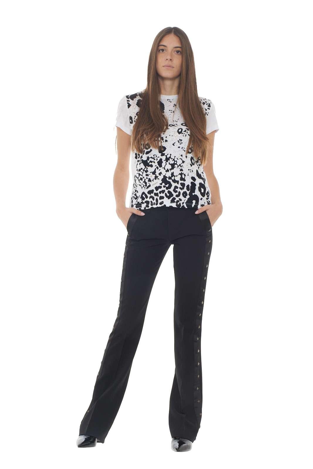 https://www.parmax.com/media/catalog/product/a/i/AI-outlet_parmax-t-shirt-donna-Patrizia-Pepe-2M3819-D.jpg