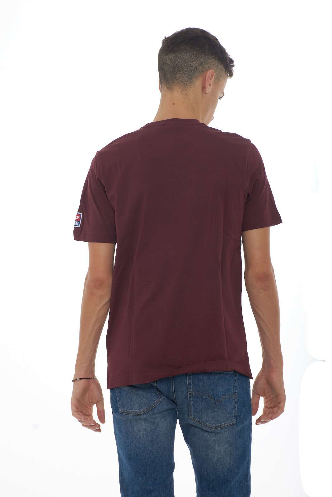 https://www.parmax.com/media/catalog/product/a/i/AI-outlet_parmax-t-shirt-uomo-Diesel-00SY7A-C.jpg