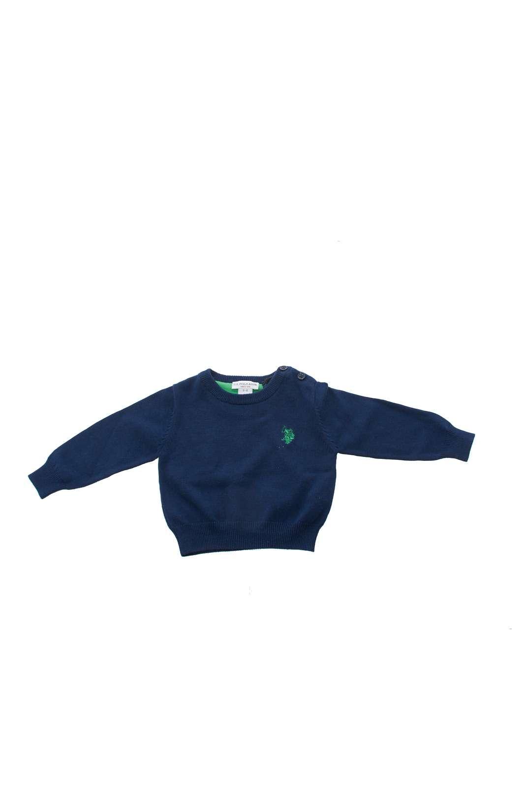 Leggero, elegante e ricco di stile, questo maglioncino US Polo Assn. Perfetto per regalare al tuo bambino un outfit curato, trendy, e allo stesso tempo pratico e comodo da indossare. Un passepartout per i look più piccoli.