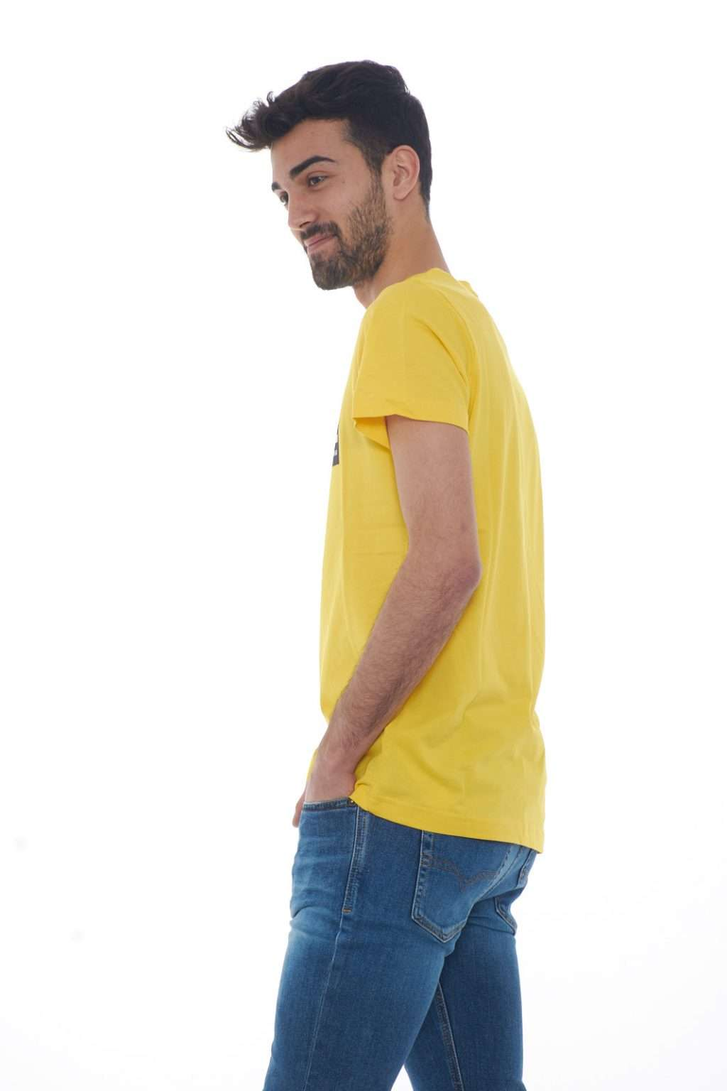 https://www.parmax.com/media/catalog/product/a/i/PE-outlet_parmax-t-shirt-uomo-Diesel-00SDP1%200091A-B.jpg