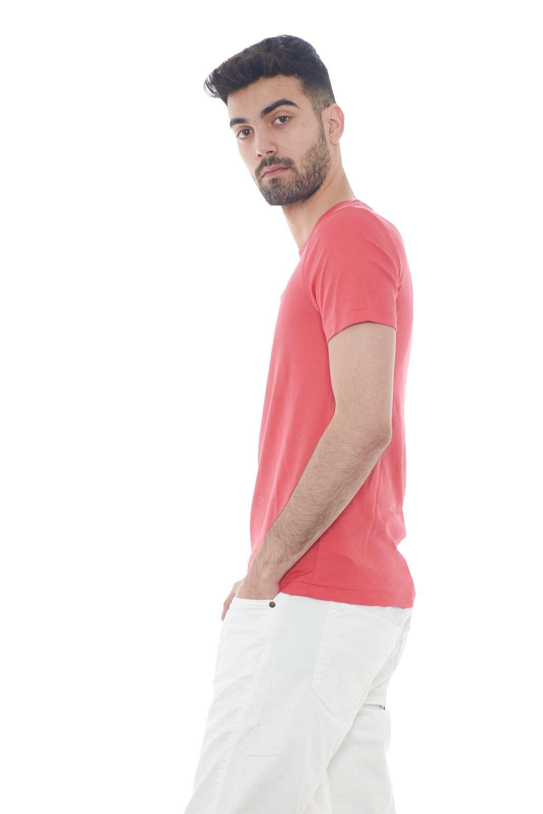 https://www.parmax.com/media/catalog/product/a/i/PE-outlet_parmax-t-shirt-uomo-Ralph-Lauren-710740727-B.jpg